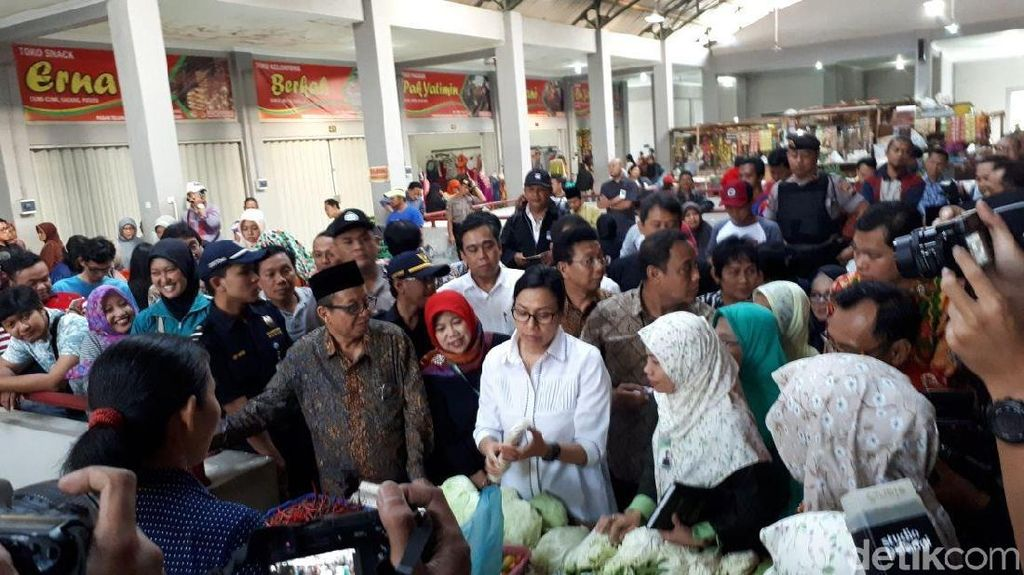 Cek Pembiayaan Mikro, Sri Mulyani Blusukan ke Pasar Sukoharjo