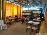 Gibran, Kaesang dan Bobby Berkolaborasi dalam 'Kedai Rakyat' di Medan