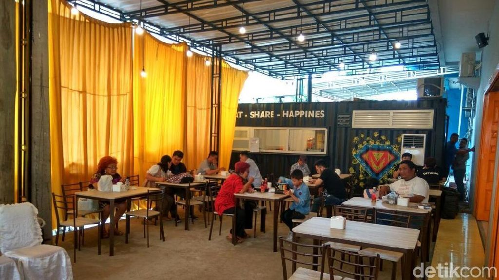 Hari Pertama Dibuka, Kedai Rakyat Milik Anak Mantu Jokowi Targetkan 2.500 Transaksi
