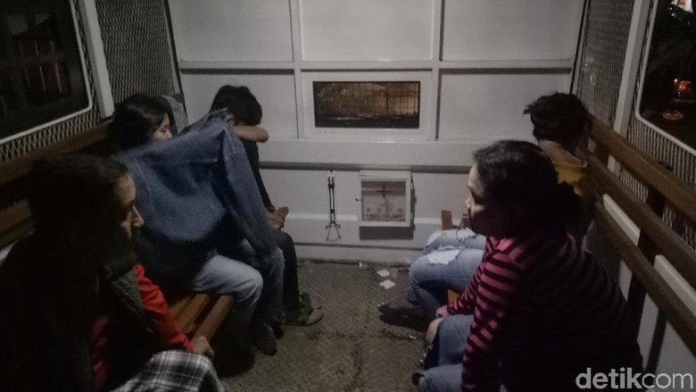 10 Pasangan Mesum dan 1 Pelajar SMA di Makassar Terjaring Razia