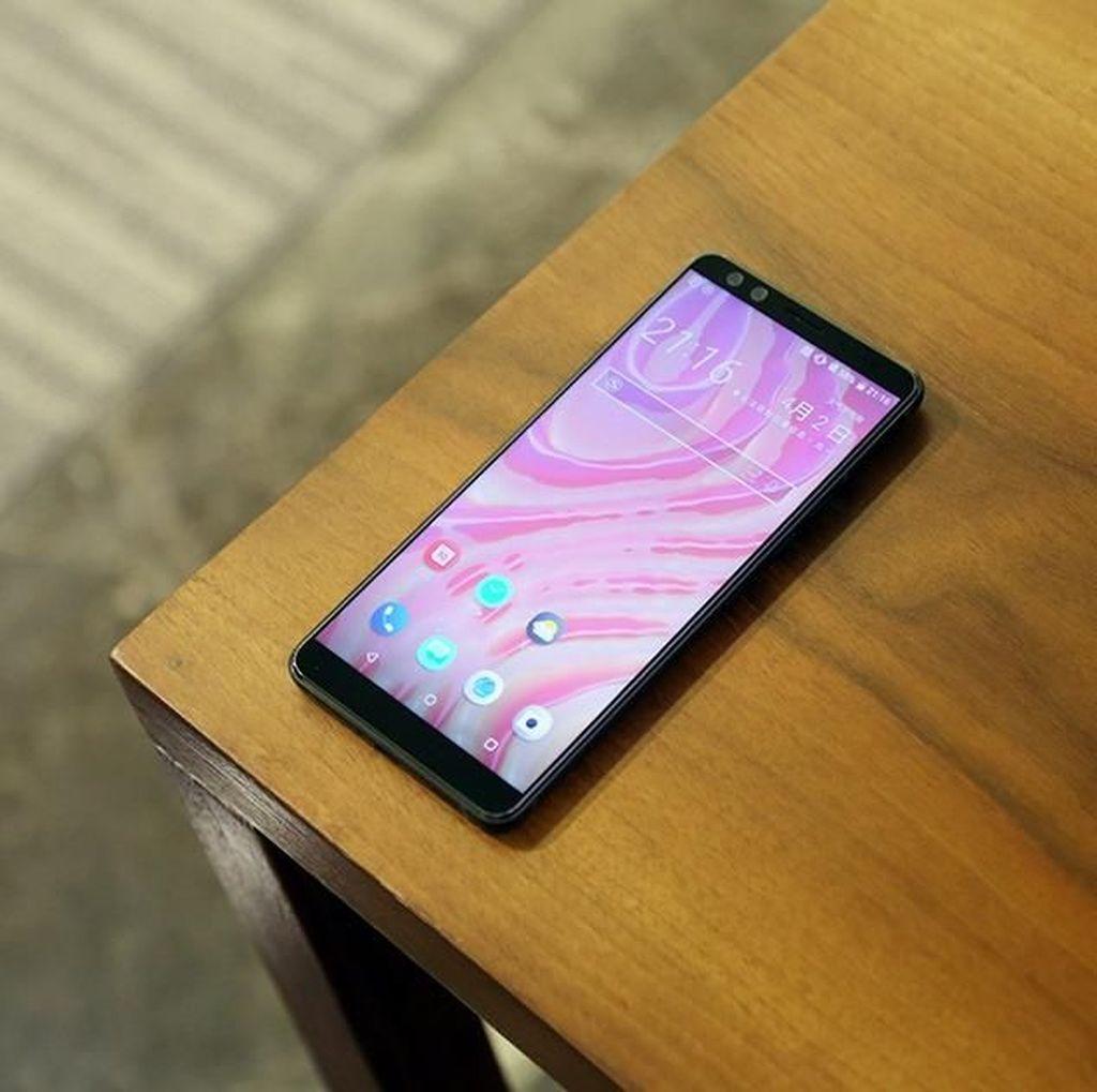 Melihat Lebih Dekat HTC U12+ yang Punya Spek Mumpuni