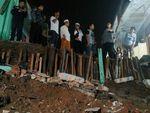 Longsor di Petukangan Jaksel, 30 Pasukan Oranye Dikerahkan