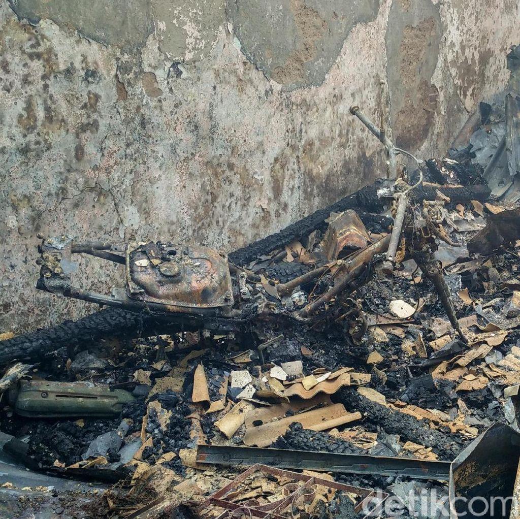 Foto: 40 Rumah di Bidara Cina Ludes Dilahap Si Jago Merah
