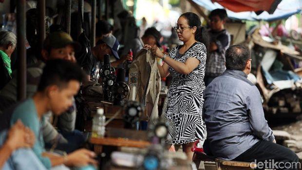 Tukang Permak Pakaian Manggarai Jalani Bisnis Turun-Temurun Sejak 1960