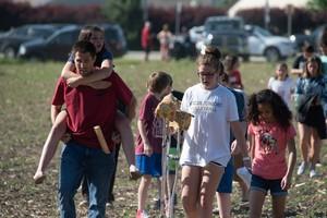Potret Evakuasi Siswa Pasca-penembakan SMP di Indiana, AS