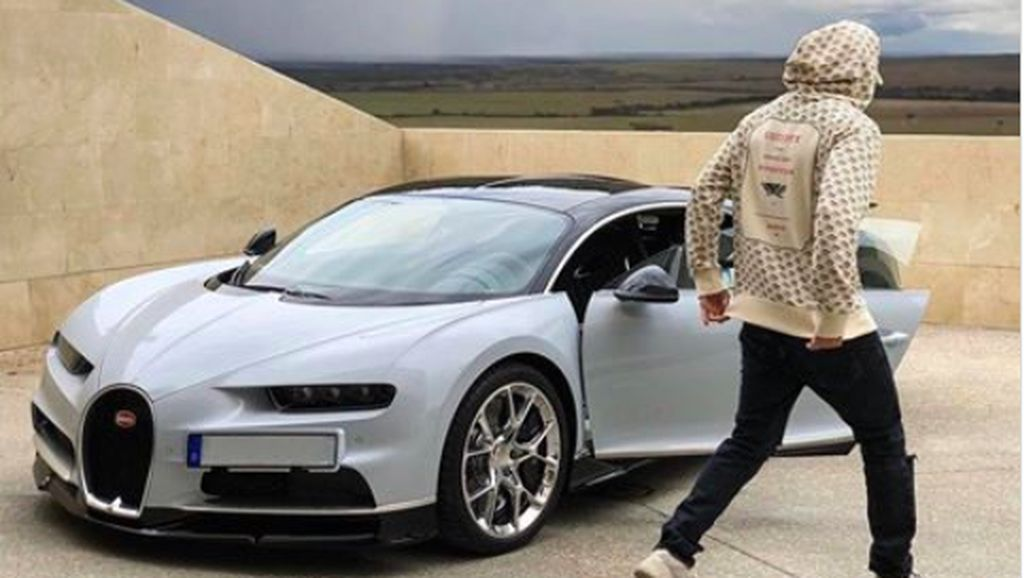Juara Liga Champions, Karim Benzema Pilih Mobil Tercepat di Dunia