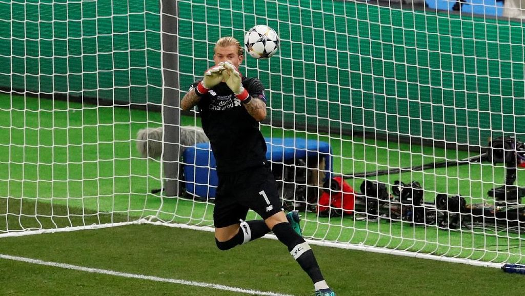 Selain Cedera Salah, Fans Liverpool Salahkan Karius