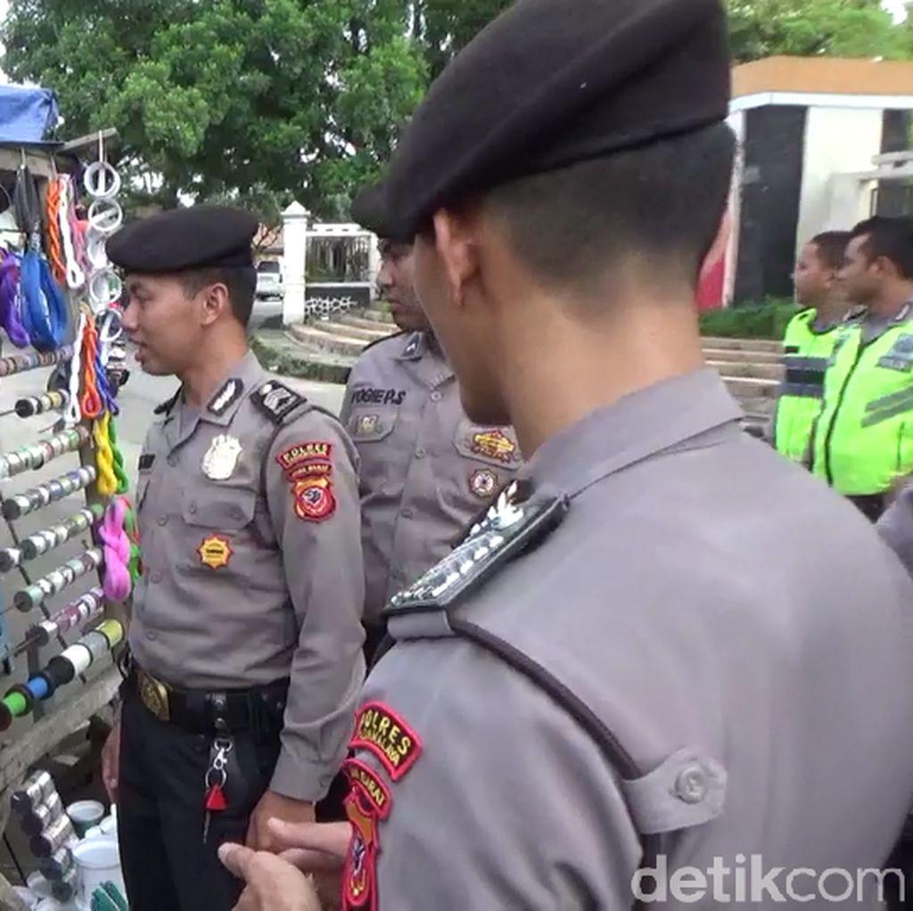 Polisi Razia Pedagang Kembang Api yang Jual Petasan di Tasik