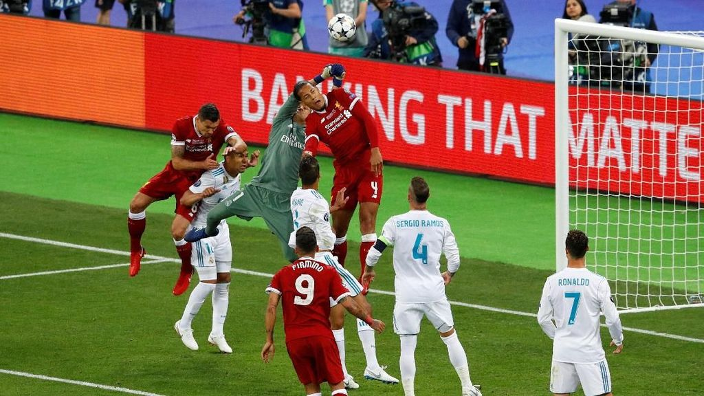 Real Madrid vs Liverpool Masih 0-0, Salah Out