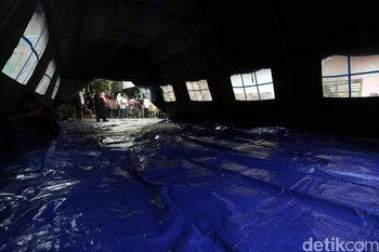 Tenda Pengungsi Didirikan untuk Warga Bidara Cina