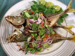 Menu Harian Ramadhan ke-27: Renyah Gurih! Ikan Goreng Saus Cabai yang Sedap