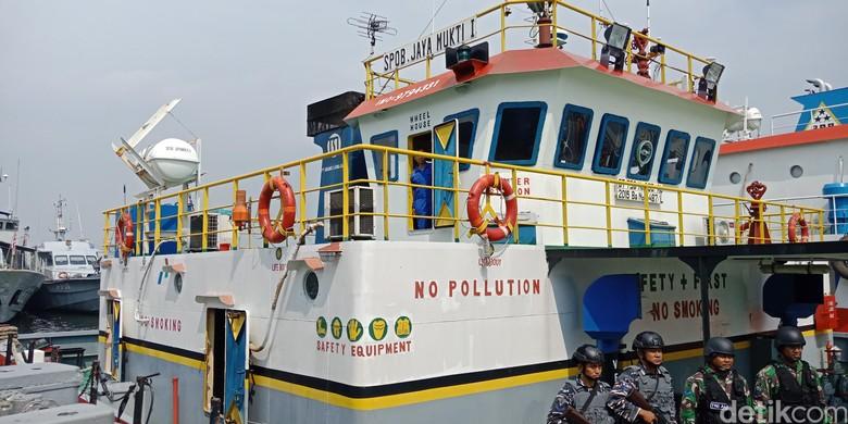 2 Kapal Bermuatan 800 Ton BBM Ilegal Ditangkap di Perairan Lampung