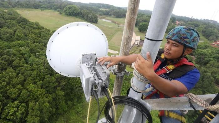 XL Axiata memperkuat infrastruktur dengan menambah jumlah BTS 4G LTE di sejumlah kota dan kabupaten di Jawa Tengah. Foto: XL Axiata