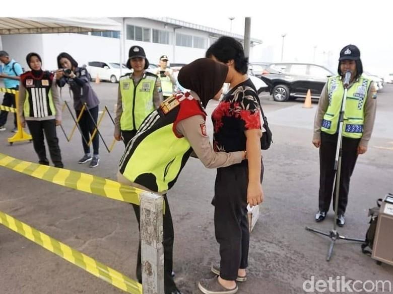 Pascabom, Gereja-gereja di Surabaya Dijaga Banser dan Pesilat