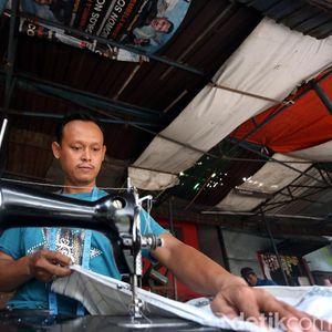 Uniknya Bisnis Permak Pakaian di Manggarai yang Pakai Mesin Jahit Jadul