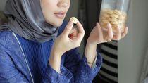 Serunya Gaya Kulineran Indah Dewi Pertiwi hingga Pembukaan Kedai Rakyat