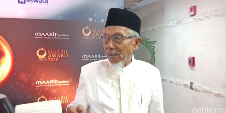 Muslim Peredam Konflik di Maumere Dianugerahi Maarif Award 2018