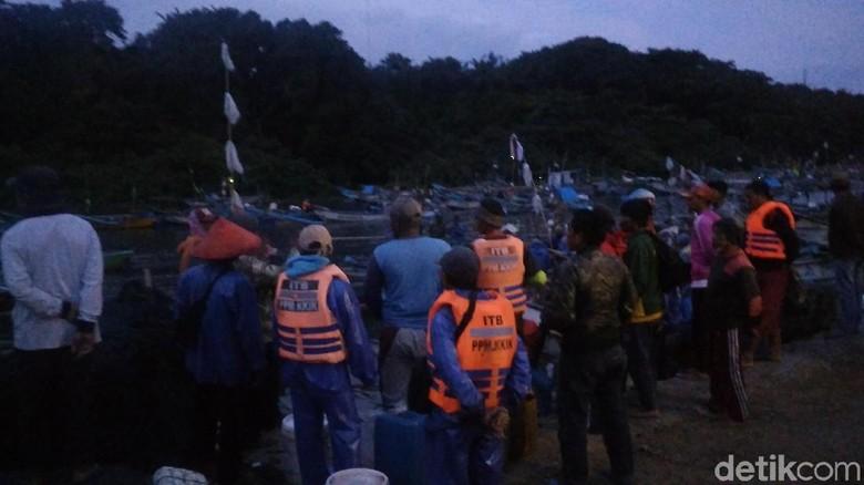 3 Nelayan Hilang di Pantai Santolo Garut Saat Berburu Cumi-cumi
