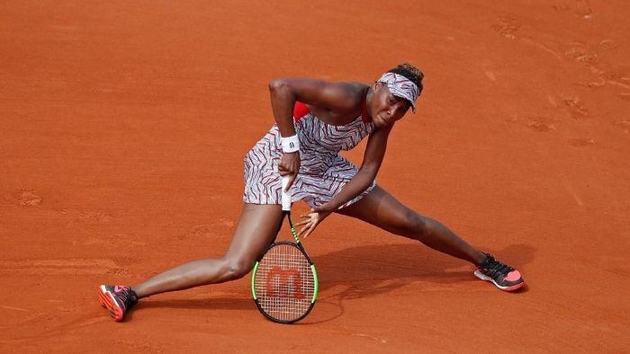 Venus Williams dikalahkan Wang Qiang di babak pertama Prancis Terbuka (Foto: Christian Hartmann/Reuters)