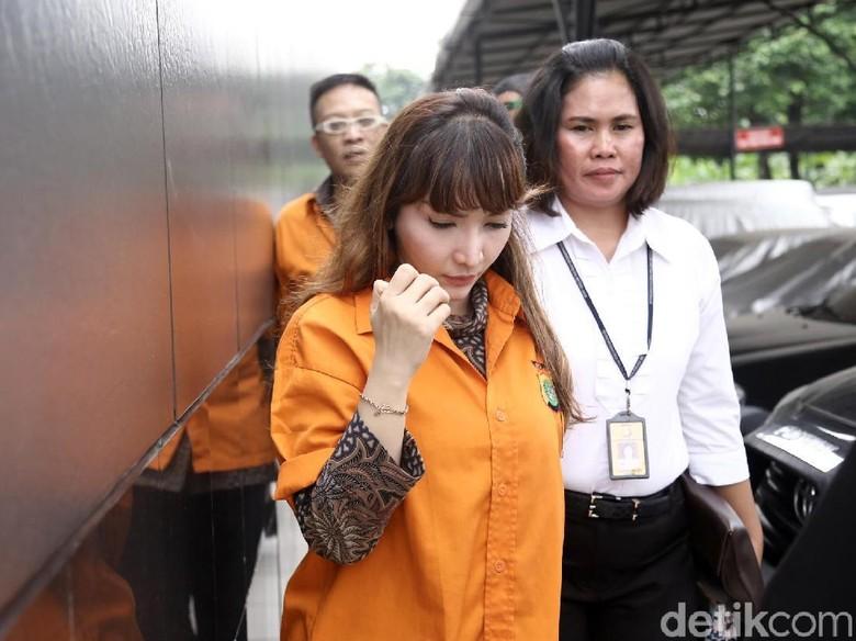 Roro Fitria yang Ingin Ibu Jadi Saksi Meringankan di Kasus Narkoba
