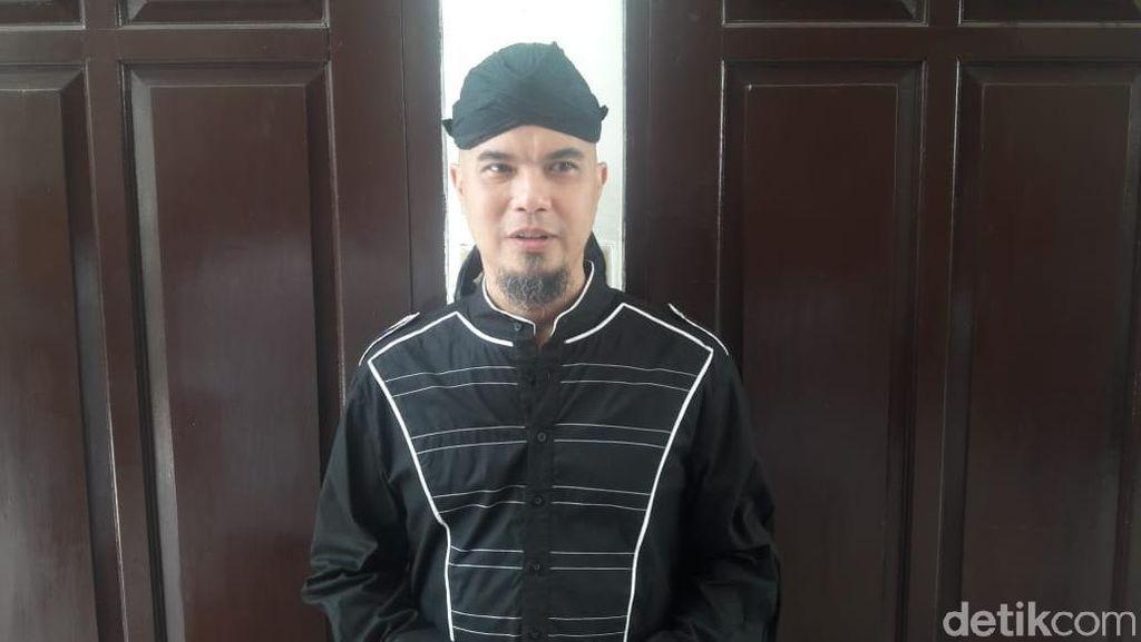 Saksi Sakit, Sidang Ahmad Dhani Ditunda