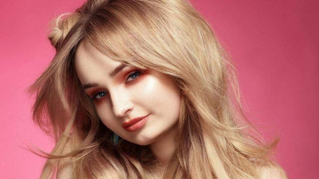 Penampilan Penyanyi Cantik Mirip Barbie, Tapi Nggak Nyangka Dulunya Pria