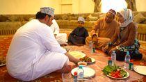 Makan Bersama Sambil Melantai ala Oman
