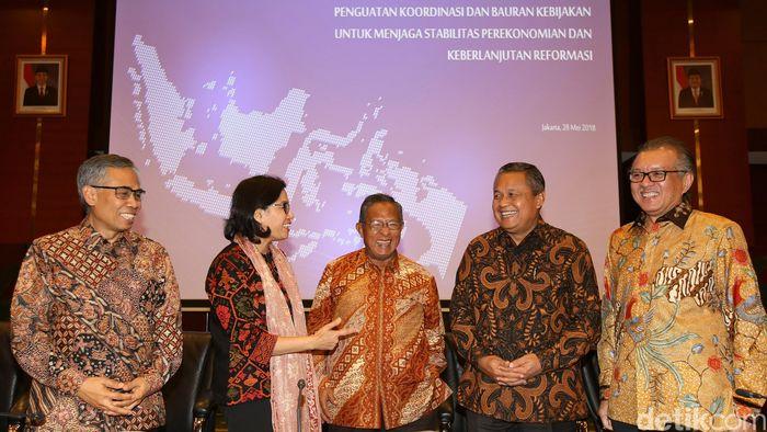 Rapat yang dipimpin Menko Perekonomian Darmin Nasution dan Menteri Keuangan Sri Mulyani berlangsung di Kementerian Keuangan, Jakarta Pusat, Senin (28/5/2018).