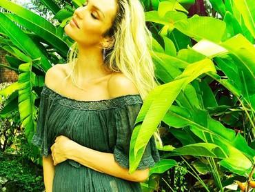 Makin cantik ya Candice saat berbadan dua. (Foto: Instagram/angelcandices via ingefonteyne)