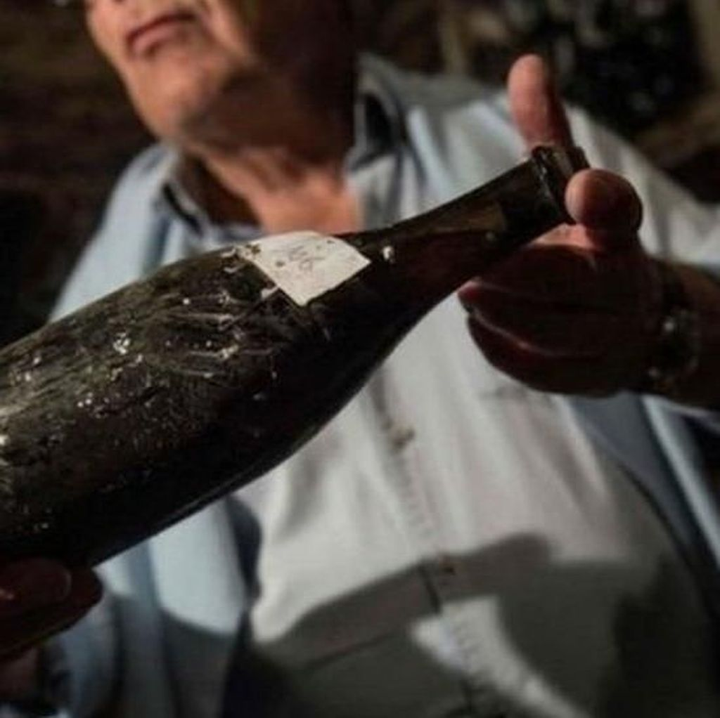 Minuman Anggur Peninggalan Masa Raja Louis XVI Laku Rp 1,7 M