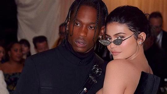 Kylie Jenner dan Travis Scott Putus?