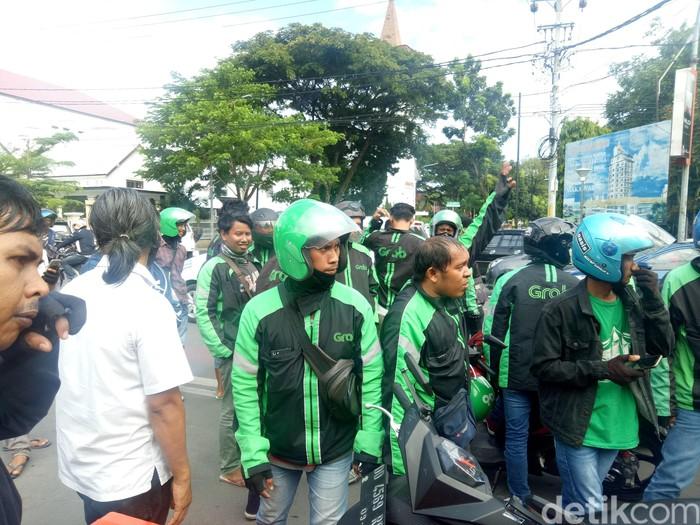 Ilustrasi demo. Foto: Demo driver ojek online di Makassar. (Ibnu Munsir-detikcom)