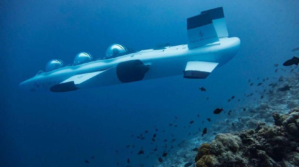 Wah Banget! Kapal Selam Pribadi di Maldives