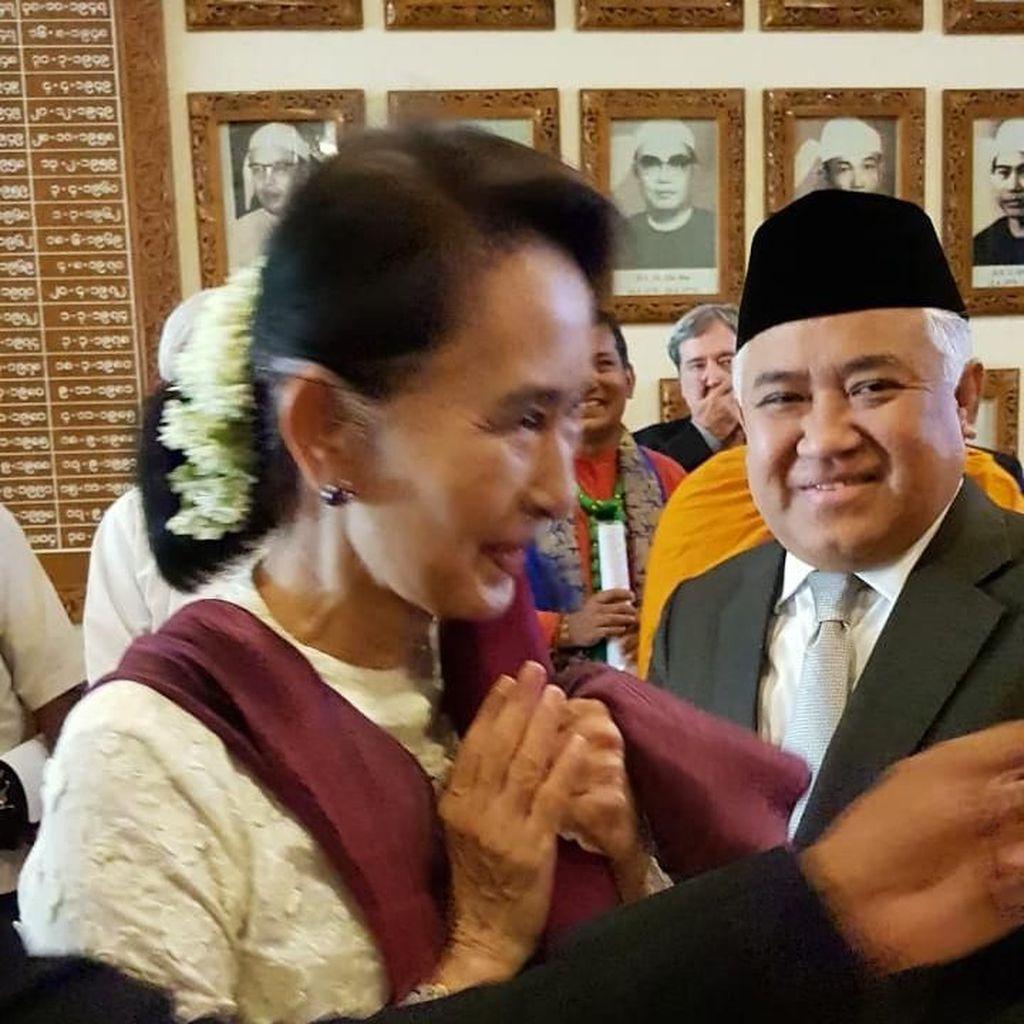 Bertemu Aung San Suu Kyi, Din Syamsyuddin Bahas Perdamaian Rohingya