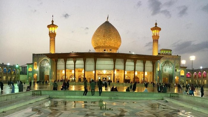 Masjid Shah Cheragh di Iran