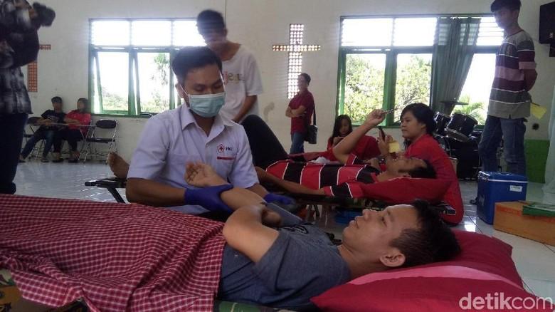Siasati Stok Darah Turun, PMI Semarang Donor Darah di Gereja