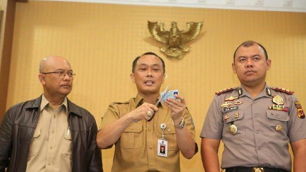 KTP yang tercecer di Bogor