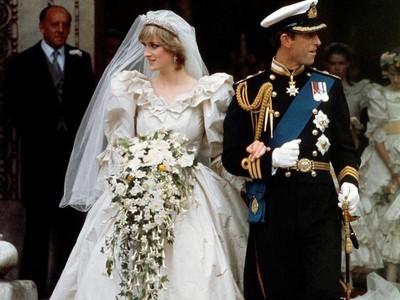 Akhirnya, Publik Bisa Lihat Gaun Pernikahan Cantik Milik Putri Diana