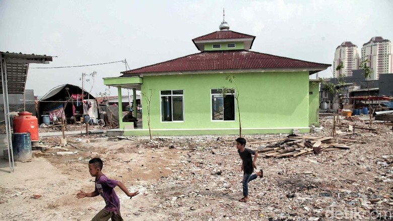 Anies Targetkan Pembangunan Rumah Permanen Kampung Akuarium 2019
