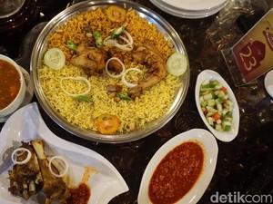Ajwad Resto: Berbuka di Sini Ada Sajian Nasi Kabsah dan Laham yang Gurih Mantap
