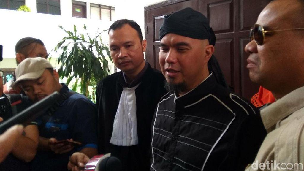 Saksi Ahli Bahasa Sebut Cuitan Ahmad Dhani Berkonotasi Negatif