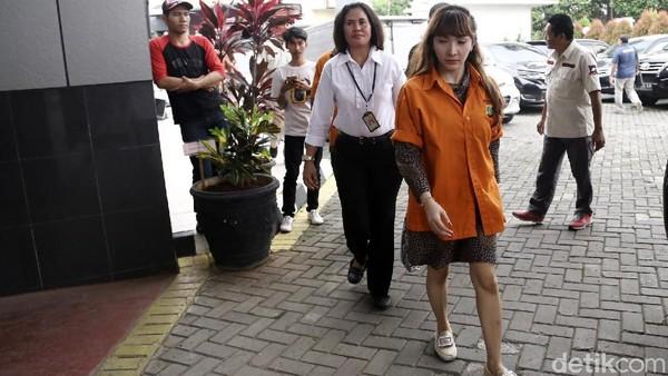 Roro Fitria Tengah Siapkan Tarian hingga Drama untuk Pentas di Rutan