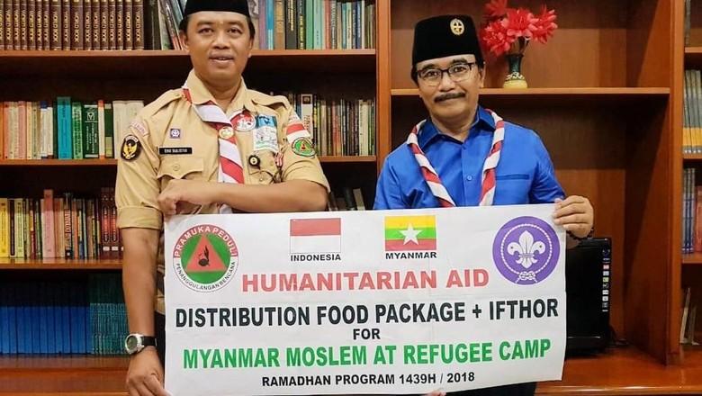 Pramuka Beri Bantuan untuk Pengungsi Rohingya