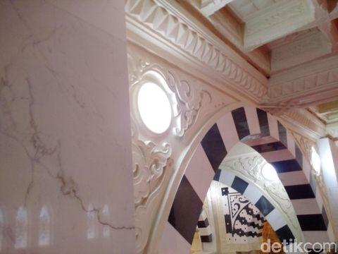 Melihat Desain Masjid Megah yang Dibangun Suciati di Sleman