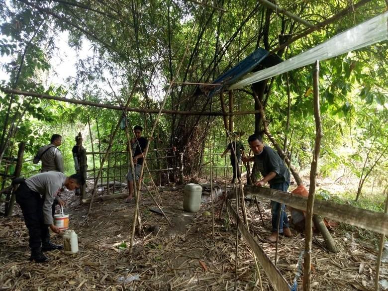 Home Industri Miras Ilegal di Hutan Ambon Digerebek