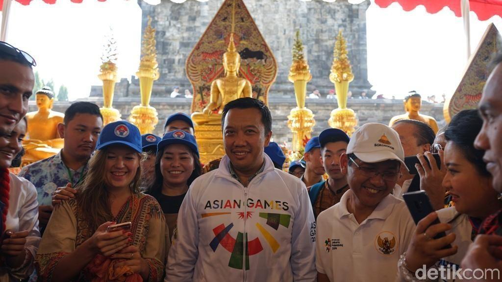 Menpora Minta Umat Buddha Doakan Asian Games Berjalan Lancar