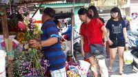 Penjual bunga di sekitar wihara Dharma Bakti, Glodok