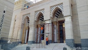 Akhir Penantian Panjang Suciati Bangun Masjid