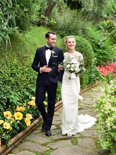 Bintang Harry Potter Matthew Lewis resmi menikahi kekasihnya Angela Jones di Italia. Foto: Dok. Twitter Matthew Lewis
