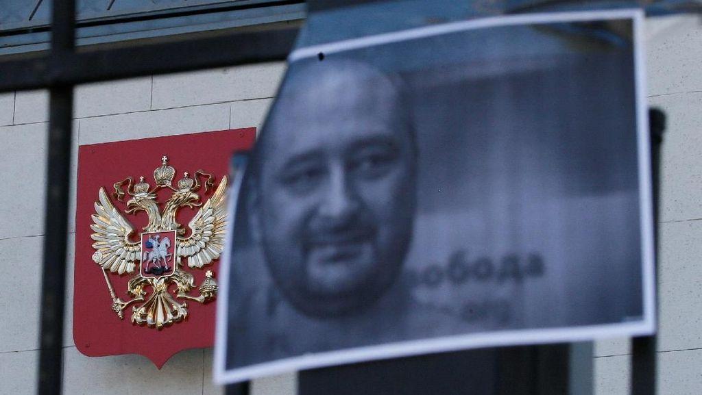 Drama Pembunuhan Jurnalis Pengkritik Rusia